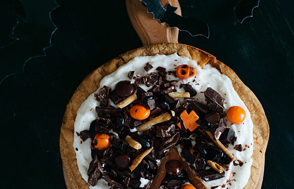 Candy-Cookie-Pizza1